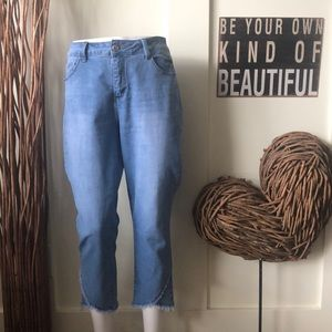 Royalty for me cropped denim jeans w/fringed hem